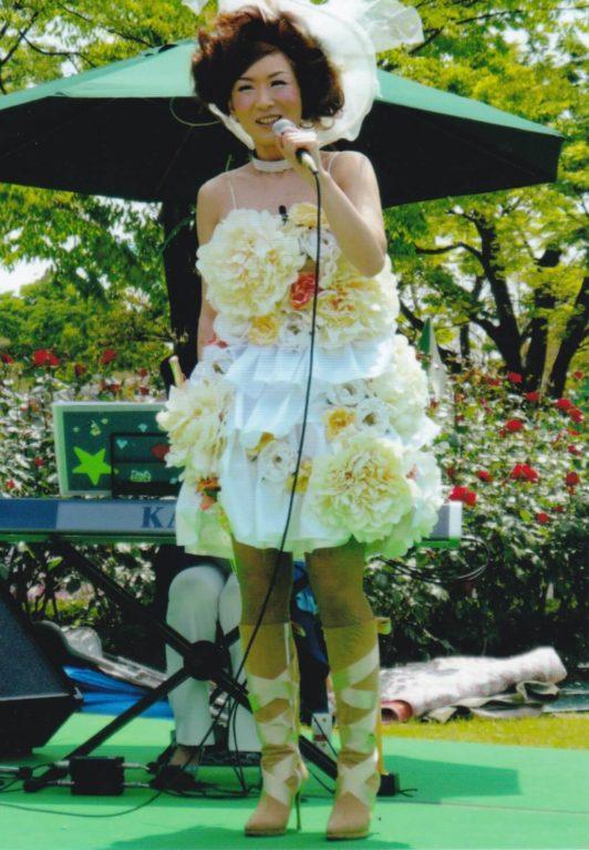 明子 フルート フルーティスト akiko yamada flute flutist 音楽 ドレス ネイル コンサート 山田明子 衣装 フルート奏者 音楽家 山田明子